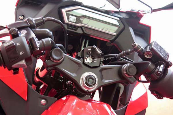Honda-CBR150R-ปี-2016-003