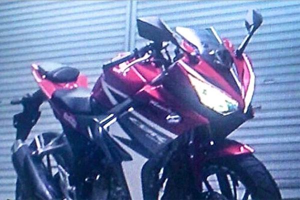 Honda-CBR150R-ปี-2016-006
